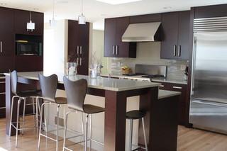 小户型装也能面面俱到 修吧台式餐桌搭配开放式厨房