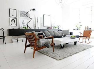 令人惊叹的北欧黑白两色小公寓