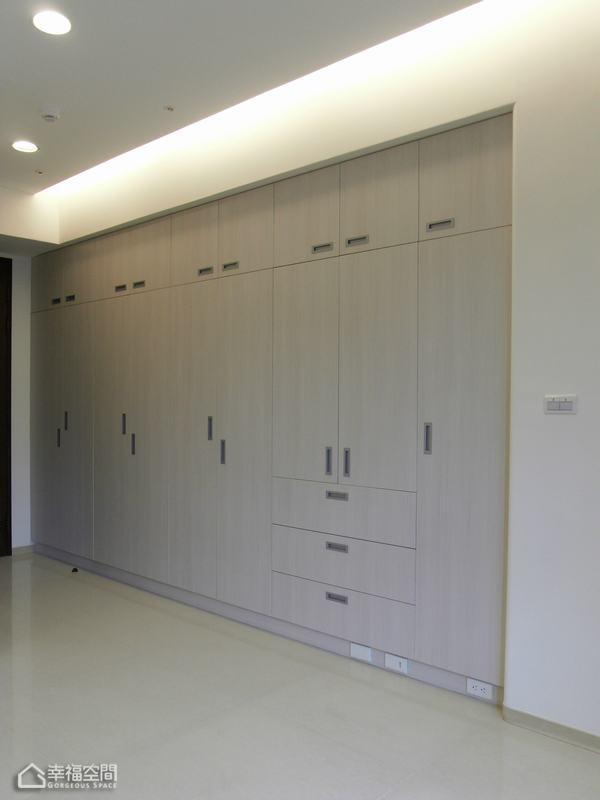 简约风格公寓小清新衣柜图片