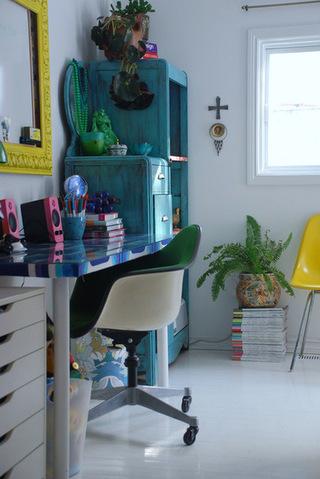 小户书房家装设计一角