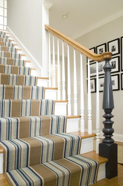 Ů�装楼梯拐弯处的设计 Ɯ�新客厅楼梯设计规范 Ű�楼梯设计 Ƭ�楼梯扶手图片大全 ƥ�梯在客厅的图片大全 ƥ�梯设计图