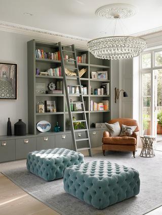 布艺沙发的客厅 温馨住宅