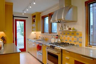 淡雅黄色暖空间  愉悦整个美厨