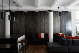 黑白色系厨房  引领时尚