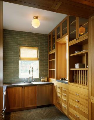原木色的厨房设计  环保又时尚