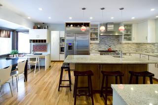 12款漆木装饰的厨房