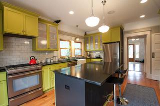 走进亮色系厨房----黄色