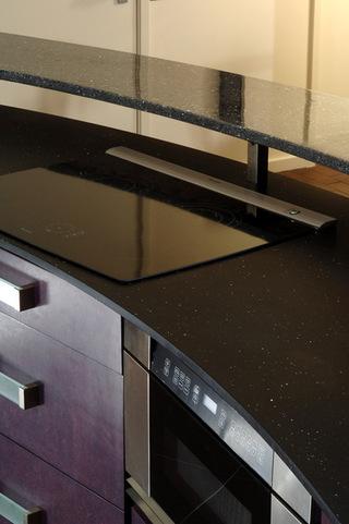 充满科技感的厨房空间装修