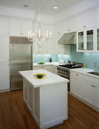 做个有岛台的厨房  温馨大气更实用
