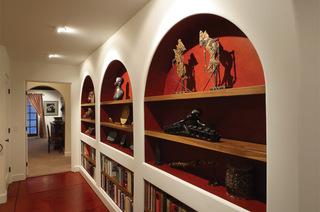 装饰画给客厅过道带来的美感