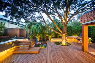 巧夺天工的别墅设计  配以环保自然的美景花园