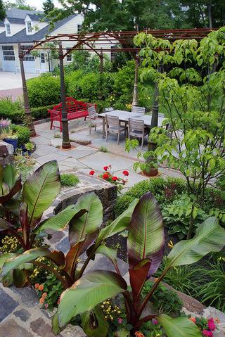 现代风别墅庭院花园装修欣赏