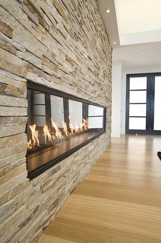 有壁炉的舒适欧式客厅