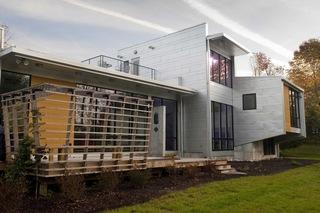 金属外观的住宅 另类住宅体验
