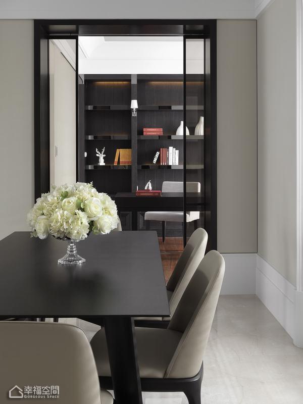 英伦风格公寓古典设计图