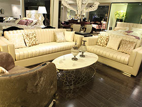 温馨浅米色皮沙发4图展示