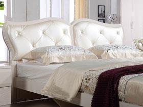 體驗法式浪漫 14個浪漫優雅床