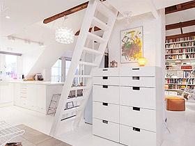 樓梯死角巧利用 家中更增風景線