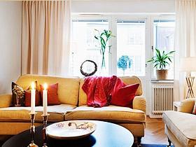 5图展示暖色调布艺沙发摆放