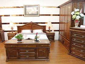 自然质朴实木卧房家具