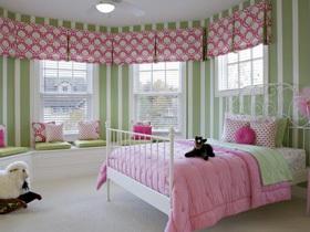 整体色调单纯而不单调的卧室