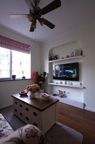 混搭风格一室一厅温馨电视背景墙旧房改造家装图片