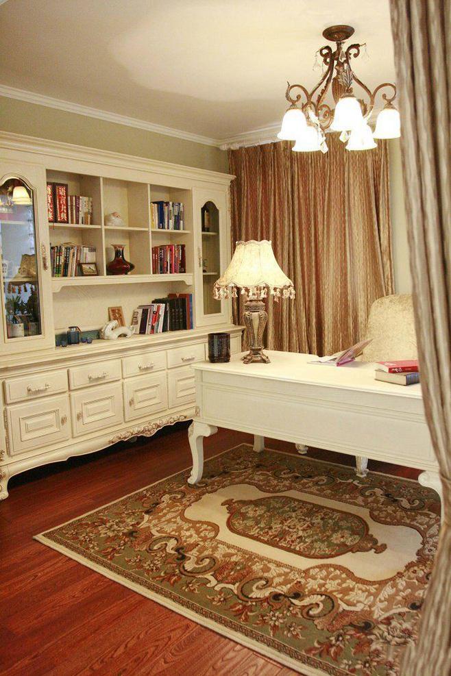 欧式风格奢华白色书桌效果图