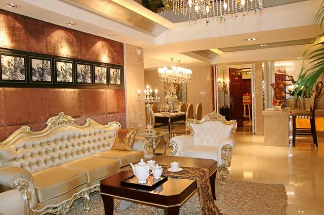 欧式风格奢华橙色沙发背景墙装修效果图