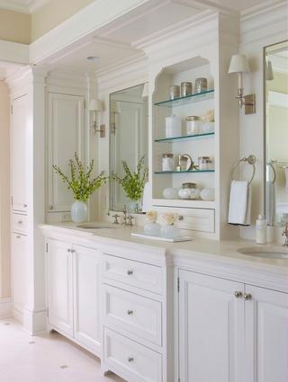 唯美白色卫生间装修图片