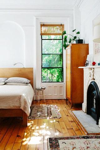 舒适原木色卧室地板图片