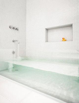 简约风格卫生间浴缸图片