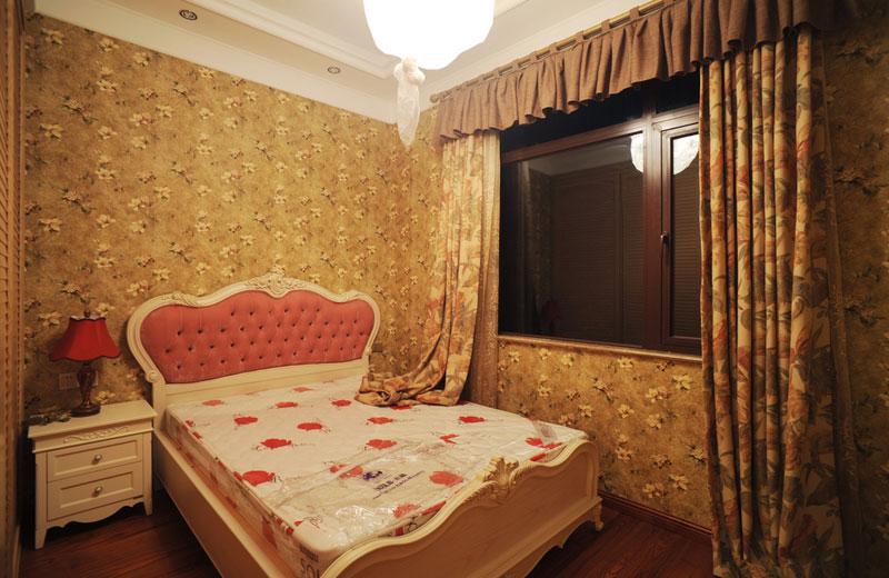 混搭风格跃层古典10-15万卧室装修效果图