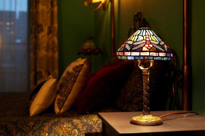 现代简约风格时尚台灯效果图