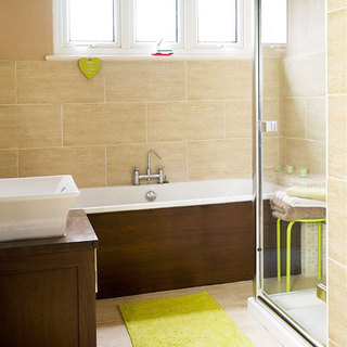黄色卫生间瓷砖效果图