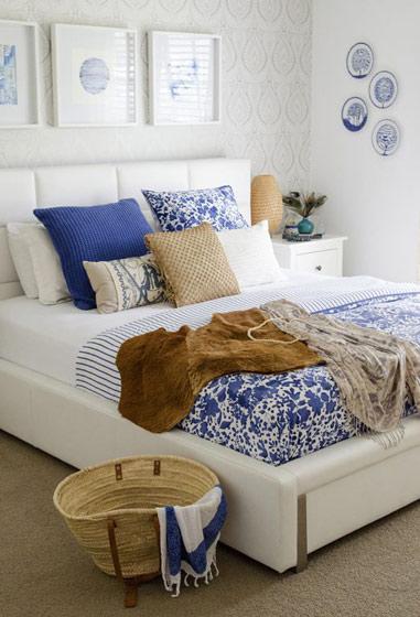 欧式风格白色床头软包效果图