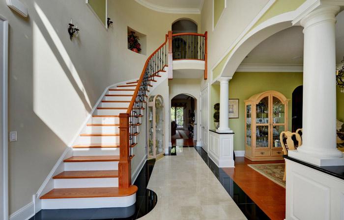 美式风格实用走廊装修效果图