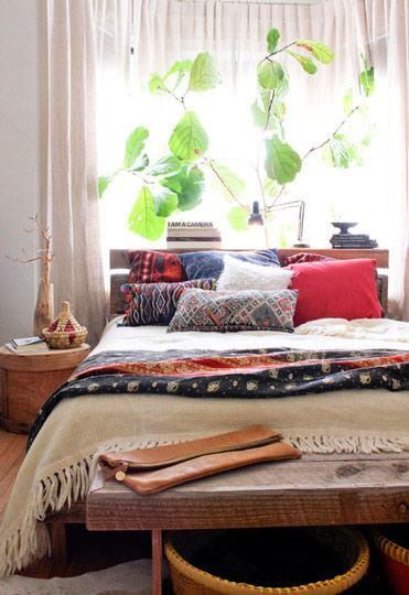 宜家风格舒适床头柜图片