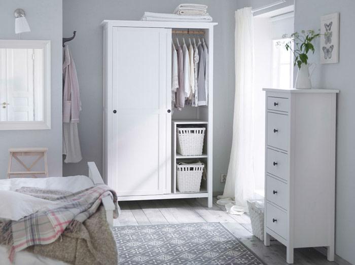 宜家风格简洁白色衣柜安装图