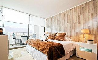 咖啡色卧室壁纸装修效果图