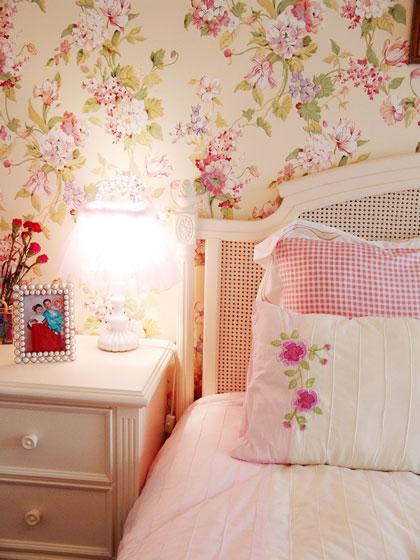 粉色调田园卧室效果图