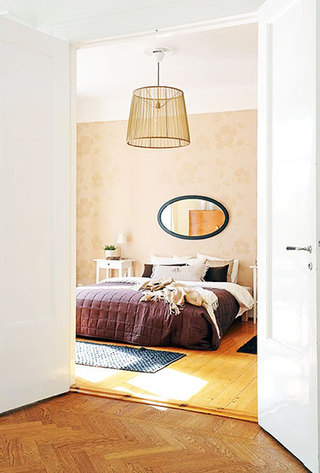 淡黄色卧室壁纸装修效果图