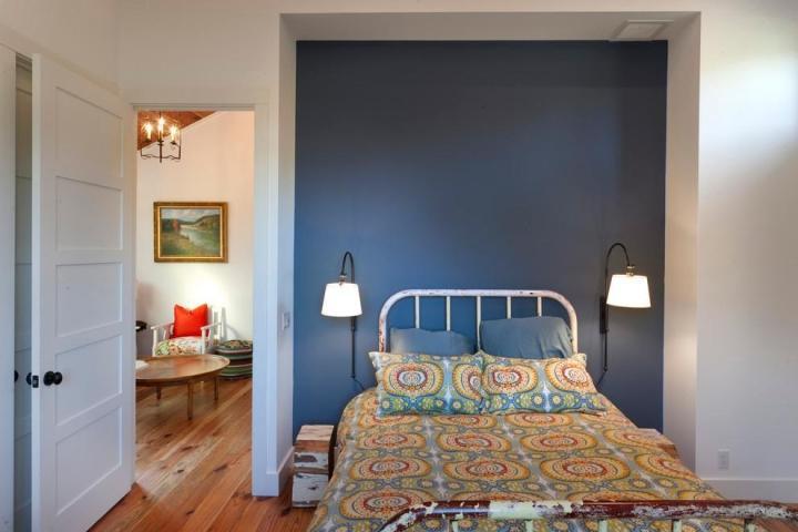 蓝色白色简约卧室设计