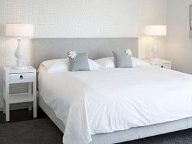 时尚灰色调 13款灰色床头软包效果图