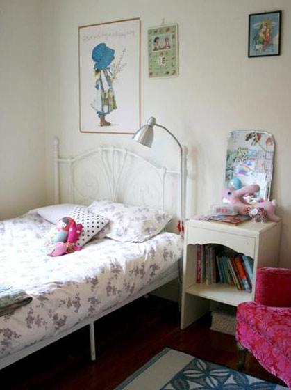 白色简单儿童床效果图