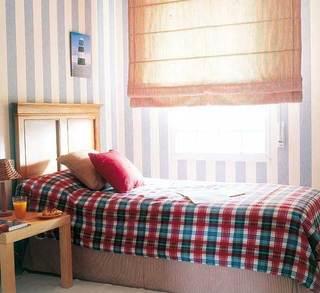 温馨蓝白色调卧室设计效果图