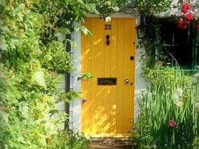 住在花園里 13款清新木門效果圖