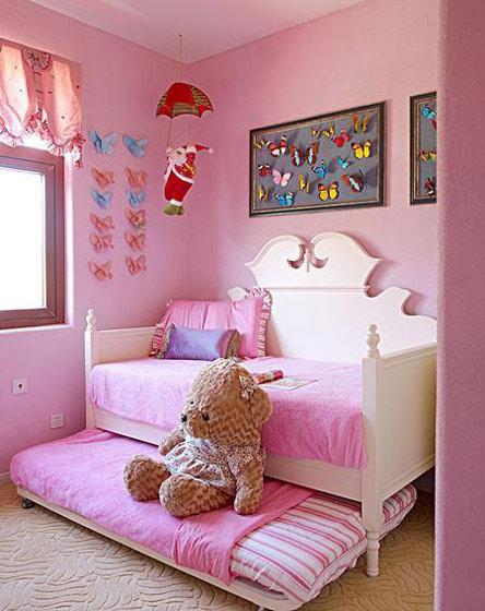 粉色儿童房沙发床效果图