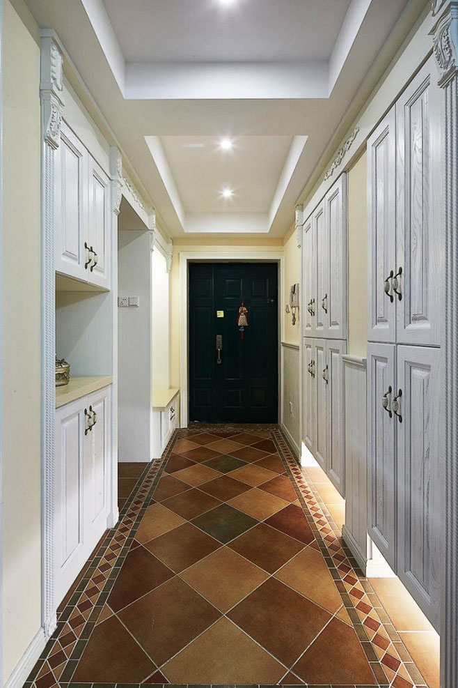 客厅与走廊移门效果图_进门过道吊顶效果图