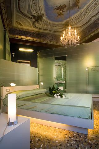 华丽绿色卧室效果图