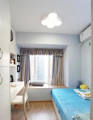 2013卧室飘窗效果图